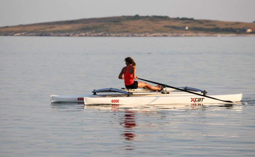 row-rowing-sculling-catamaran-boat-stable_3_1
