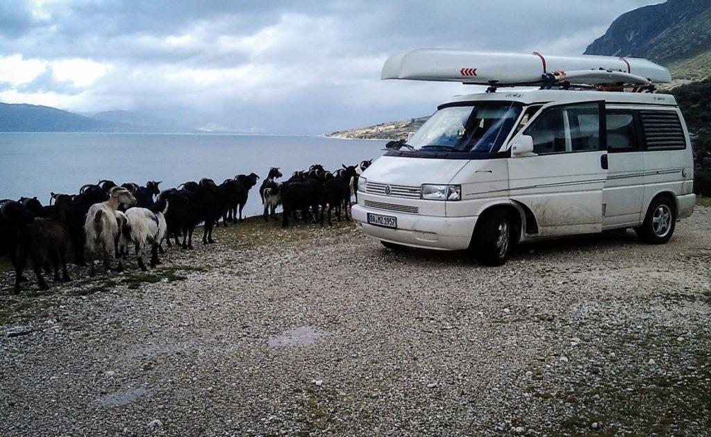 sailboat-boat-catamaran-portable-car-roof-toppable_1