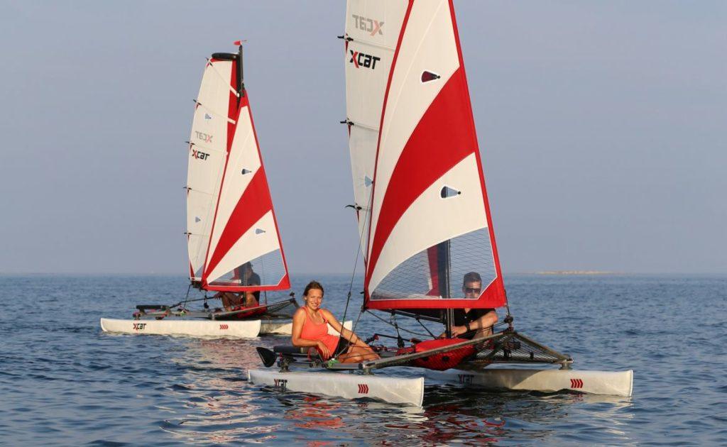 sailboat-catamaran-beach-dinghy-laser-daysailer_4