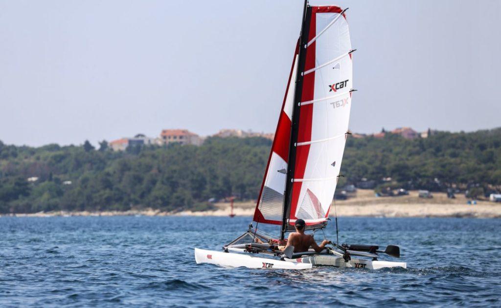 sailboat-catamaran-beach-dinghy-laser-daysailer_5_0