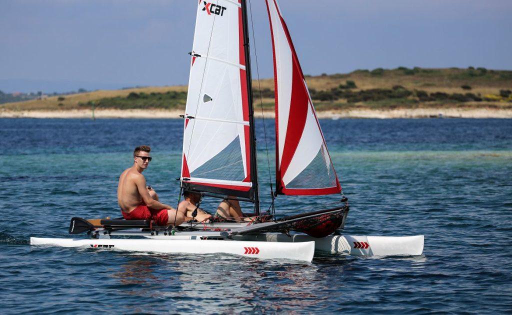 sailboat-catamaran-beach-dinghy-laser-daysailer_8